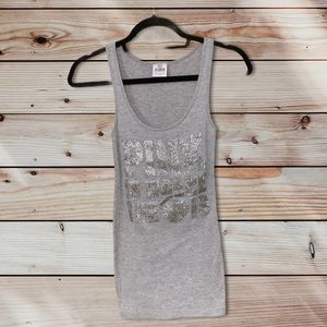 """VS PINK """"Pink Is Where the Heart Is"""" Grey Tank"""
